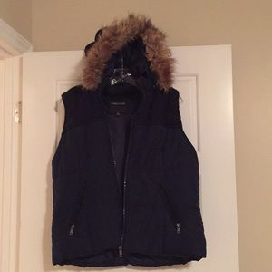 Puffy Maurice's vest with detachable hood